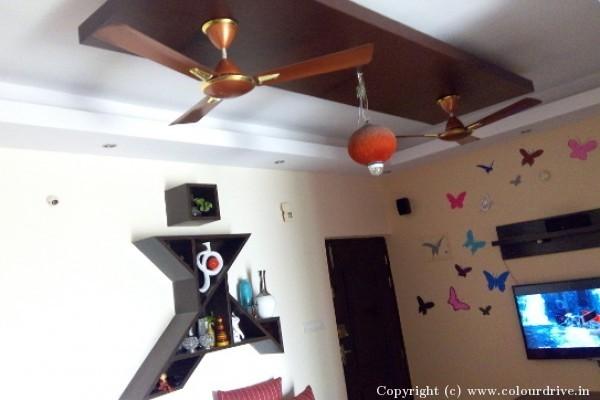 Interior-Stencil-at-Balaji-Prestine-Apartment-in-WhiteFiled-31.jpg